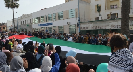 ساكنة آسفي تخرج في وقفة شعبية حاشدة للتنديد بالغطرسة الصهيونيةضدالشعب الفلسطيني