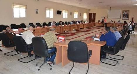 تيزنيت.. مجلس الجماعة يحدث شركة التنمية المحلية لتدبير المحطة الطرقية