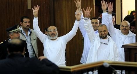 """مصر.. ''البلتاجي"""" و""""العريان'' على رأس 75 قياديا قضت المحكمة اليوم بإعدامهم شنقا"""