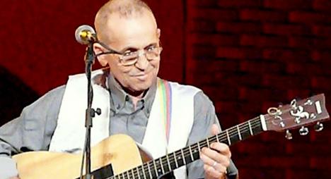 عموري مبارك الفنان المجدد والعاشق للموسيقى الأمازيغية الأصيلة