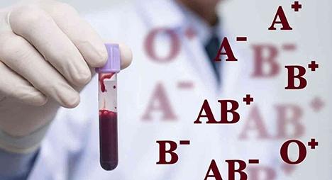 """دراسة تكشف فصيلة الدم الأكثر تأثراً بتداعيات """"كوفيد-19"""""""
