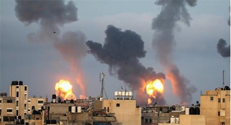 مقاومة المقدسيين تطرد الاحتلال خارج الأقصى.. وارتقاء 24 شهيدا في قصف جوي على غزة