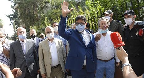 قيادات وأعضاء حزب العدالة والتنمية يؤازرون حامي الدين