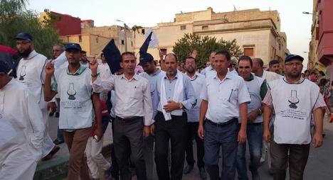 """حراري: التصويت غدا الخميس لأصحاب """"الشكارة"""" بسطات """" جريمة سياسية"""""""