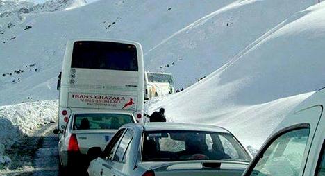 عودة الحركة إلى المحاور الطرقية بمنطقة الأطلس بعد توقف الثلوج