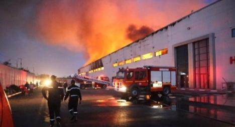 الدار البيضاء.. حريق بمستودع للتخزين يخلف خسائر مادية كبيرة