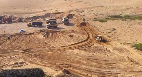 """وزارة الطاقة والمعادن والبيئة توضح بخصوص """"مشروع جرف رمال البحر"""" بالعرائش"""