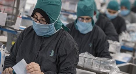 """لحماية الأجراء..""""وزارة الشغل"""" توصي بتشديد التقيد بتدابير الوقاية من """"كورونا"""""""