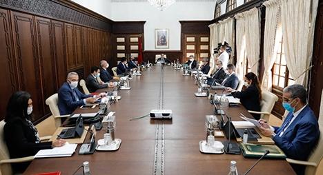 """""""مشاريع قوانين ومراسيم اجتماعية"""" على طاولة المجلس الحكومي المقبل"""