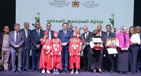 الخلفي يُتوج الفائزين بجائزة المجتمع المدني في دورتها الثانية