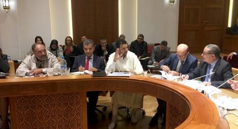 الناصري يدعو إلى التعجيل بالإفراج عن خدمات البنوك التشاركية