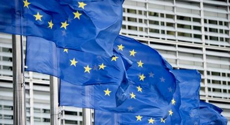 """الاتحاد الأوروبي يستعد لرفع براءات الاختراع عن لقاحات """"كورونا"""""""