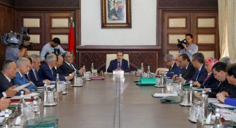 الحكومة تحدث مديرية مؤقتة للإشراف على إنجاز المركب المائي لبني منصور