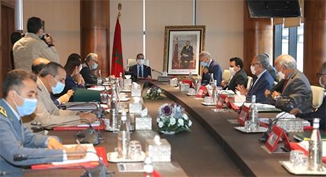 رئيس الحكومة يترأس اجتماع لجنة تدبير الخدمات الأساسية للمواصلات