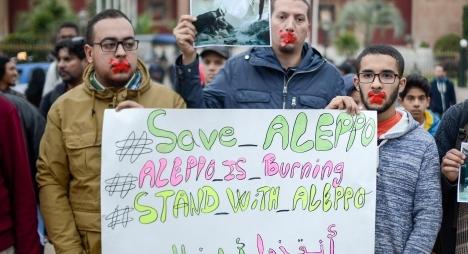 """""""وقفة صامتة"""" بالرباط تنديدا بالتقتيل الوحشي لساكنة حلب"""