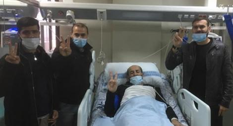 فلسطين.. الأخرس يعانق الحرية بعد إضراب مفتوح عن الطعام استمر 103 أيام