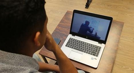 إطلاق منظومة معلوماتية تمكن التلاميذ من الولوج المجاني إلى منصة التعليم عن بعد