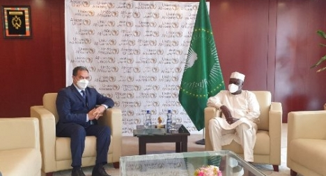رئيس مفوضية الاتحاد الأفريقي يثمن عاليا التضامن الفعال لجلالة الملك مع الدول الأفريقية