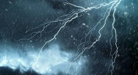 """""""مديرية الأرصاد"""" تتوقع نزول زخات مطرية رعدية بعدد من مناطق المملكة"""