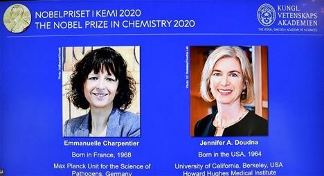 """""""نوبل الكيمياء"""" لفرنسية وأمريكية طورتا """"مقصات جزيئية"""" تعدل الجينات البشرية"""
