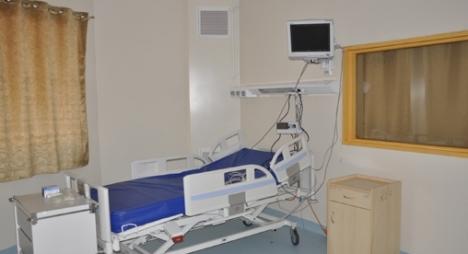 """معدات طبية خاصة بـ""""كوفيد-19 """" تعزز العرض الصحي بإقليم خنيفرة"""