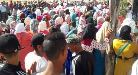 سيدي قاسم..وقفة احتجاجية لدواوير جماعة سيدي عزوز ضد مجلس الجماعة