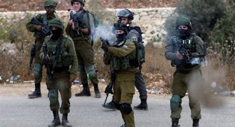 استشهاد شاب فلسطيني وجرح آخرين في الضفة الغربية