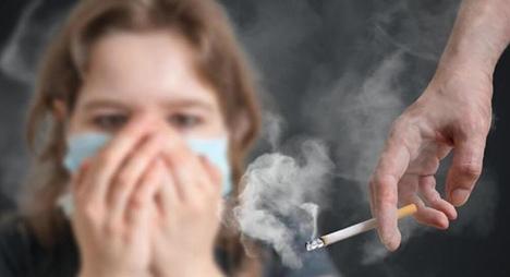 خبراء: التدخين عامل مساهم في تفشي فيروس كورونا
