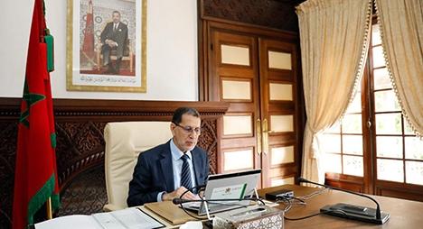 رئيس الحكومة يدعو القطاعات الوزارية لتفعيل مراسيم ذات أولوية اجتماعية واقتصادية