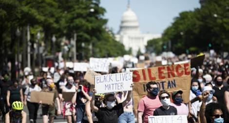 إعلان حظر للتجول في واشنطن بعد احتجاجات قرب البيت الأبيض