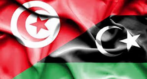 ليبيا وتونس تتفقان على بروتوكول صحي لاستئناف الرحلات الجوية