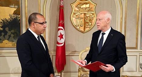 """تونس.. """"النهضة"""" ترفض تشكيل حكومة جديدة خارج الأحزاب السياسية"""