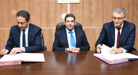 التوقيع على اتفاقية شراكة لتجهيز الأقسام التحضيرية للمدارس العليا بالعتاد الديداكتيكي والبيداغوجي