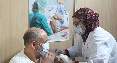 الدار البيضاء.. مهنيو الصحة بالقطاع الخاص يتلقون الجرعة الثانية من اللقاح