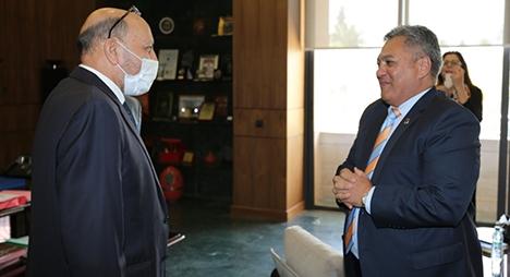 عمدة مراكش يتباحث مع سفير جنوب إفريقيا بالمغرب سبل تعزيز علاقات التعاون