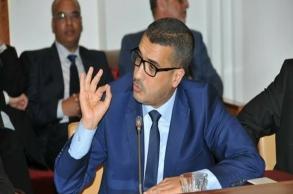"""عديلي يرصد """"اختلالات"""" صفقة وزارة..."""