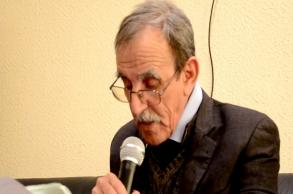 مستاوي: أكتب مؤلفاتي الأمازيغية بالحرف العربي